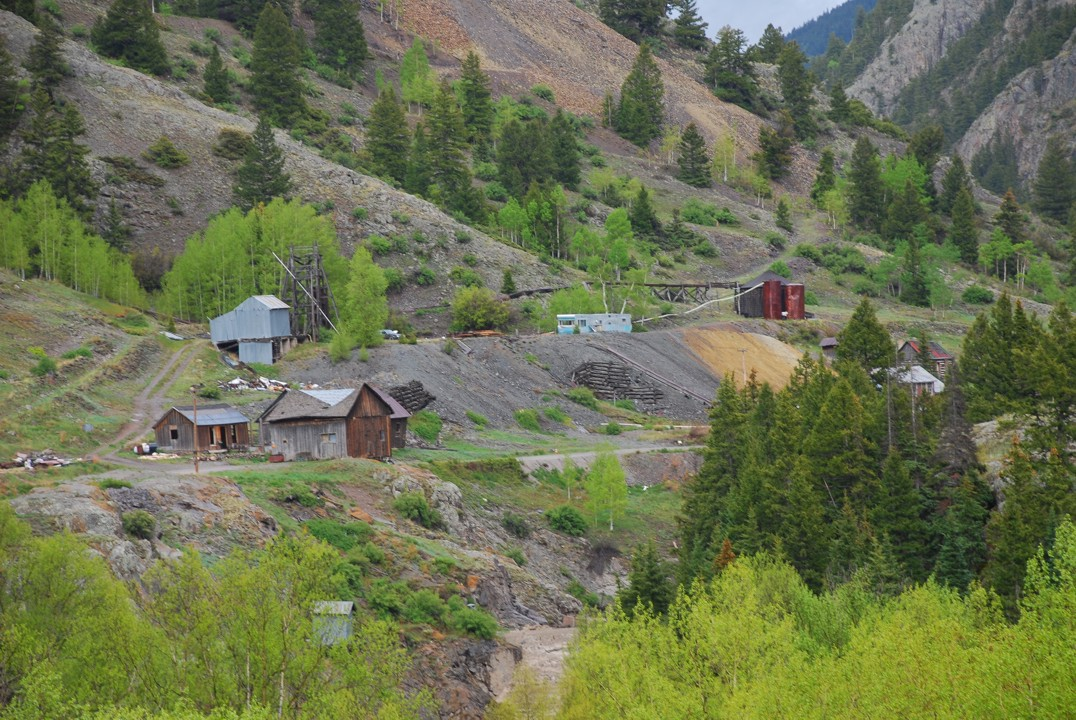 Abandoned mine on the road to Engineer's Pass