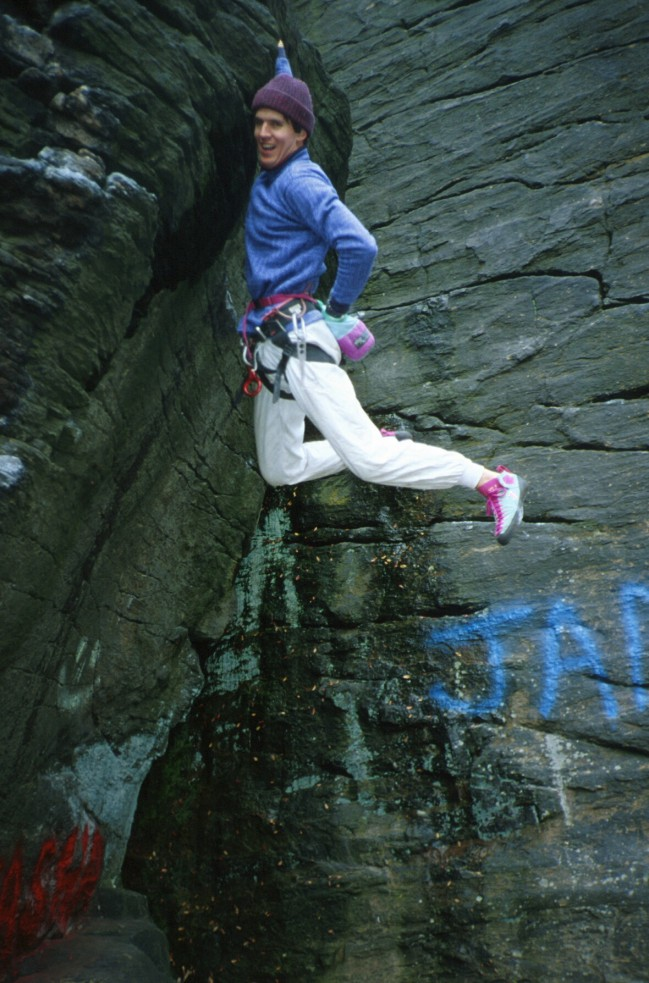 Bouldering on Moss Island